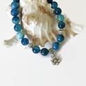 Virágos kék achát ásványkarkötő , Ékszer, Karkötő, 8 mm-es kék achát ásványgyöngyökből és tibeti ezüst díszítőelemekből készült, 18 cm-es ásvány gumis ..., Meska
