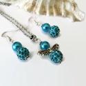 Kék csillogás angyalkás szett nyaklánc fülbevaló shamballa gyönggyel, Ékszer, Fülbevaló, Nyaklánc, Ékszerszett, 8 mm-es teklagyöngyből és 10 mm-es csillogó shamballa gyöngyből készült angyalka medál hozzáillő fül..., Meska