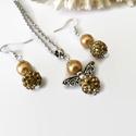 Aranysárga csillogás angyalkás szett nyaklánc fülbevaló shamballa gyönggyel, Ékszer, Fülbevaló, Nyaklánc, Ékszerszett, 8 mm-es teklagyöngyből és 10 mm-es csillogó shamballa gyöngyből készült angyalka medál hozzáillő fül..., Meska