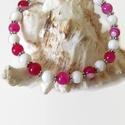 Pink-fehér achát és jade ásvány karkötő , Ékszer, Karkötő, 6 mm-es fehér jade és pink achát ásványgyöngyökből, tibeti ezüst díszítőelemekből készült, 18 cm-es ..., Meska