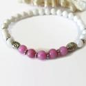 Pink-fehér jade ásvány karkötő , Ékszer, Karkötő, 6 mm-es fehér és rózsaszín  jade ásványgyöngyökből és tibeti ezüst díszítőelemekből készült, 18 cm-e..., Meska
