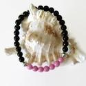 Rózsaszín-fekete jade ásvány karkötő , Ékszer, Karkötő, 6 mm-es rózsaszín és fekete jade ásványgyöngyökből és tibeti ezüst díszítőelemekből készült, 18 cm-e..., Meska