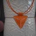Selymes narancs háromszög nyaklánc