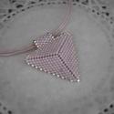 Jeges rózsaszín háromszög nyaklánc