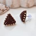 """Csoki háromszög bedugós fülbevaló acél alappal, Ékszer, Esküvő, Fülbevaló, Esküvői ékszer, A """"Hétköznapi kedvencek"""" kollekció csokibarna fülbevalója, melyet kiváló minőségű japán delicából fű..., Meska"""