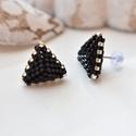 """Fekete háromszög bedugós fülbevaló acél alappal, Ékszer, Esküvő, Fülbevaló, Esküvői ékszer, A """"Hétköznapi kedvencek"""" kollekció fekete fülbevalója, melyet kiváló minőségű japán delicából fűztem..., Meska"""