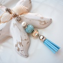 Menta kék bojtos nyaklánc pandora gyönggyel, Ékszer, Nyaklánc, Medál, A nyakláncot különleges mintájú Pandora gyöngy, hozzáillő fűzött bogyó és velúr bojt alkotja, melyet..., Meska