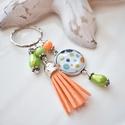 Narancs zöld bojtos üveglencsés kulcstartó táskadísz , Narancs és zöld gyöngyökből, pöttyös mintá...
