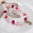 Horgony medálos karkötő ásványokkal és üveggyöngyökkel - magenta, Ékszer, Karkötő, 16 cm-es gumis karkötő magenta, rózsaszín és fehér gyöngyökkel, valamint horgony medállal.  A karköt..., Meska