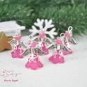 Pink angyalka medál 5 dbos csomag, Dekoráció, Karácsonyi, adventi apróságok, Ünnepi dekoráció, Ajándékkísérő, képeslap, Az angyalkákat színes  akryl virágból, színben hozzá illő gyöngyből, filigrán gyöngykupakokból és ti..., Meska