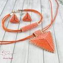 Selymes narancs háromszög nyaklánc fülbevaló karkötő szett, Ékszer, Esküvő, Esküvői ékszer, Karkötő, Kiváló minőségű japán delicából, aprólékos munkával fűzött nyaklánc-fülbevaló szett...., Meska