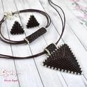 Csoki háromszög nyaklánc fülbevaló karkötő szett, Ékszer, Esküvő, Esküvői ékszer, Karkötő, Kiváló minőségű japán delicából, aprólékos munkával fűzött nyaklánc-fülbevaló szett...., Meska