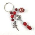 Piros tündér kulcstartó táskadísz , Dekoráció, Mindenmás, Ünnepi dekoráció, Kulcstartó, Piros gyöngyökből, szív alakú köztesből, fűzött 1 cm-es gyöngybogyóból és tündér fityegőből készült ..., Meska