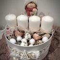 """Adventi doboz kerámia """"Kislány"""" dísszel; kb. 13cm, Dekoráció, Ünnepi dekoráció, Karácsonyi, adventi apróságok, Karácsonyi dekoráció, Mindenmás, Adventi kör alakú doboz, 4 db egyforma gyertyával, fehér-arany-rózsaszín kiegészítőkkel, ahogyan a ..., Meska"""