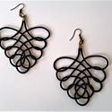 Szőlőfürt fülbevaló, Ékszer, óra, Fülbevaló, 2 mm-es fekete  paracordból font fülbevaló, mérete: 6 x 7 centiméter, + a szerelőkarika és az akaszt..., Meska