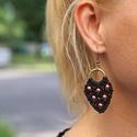 Rose, Ékszer, Fülbevaló, Fényes, fekete, 1 mm-es makraméfonalból, és rózsaszín, 4 mm-es cseh glance műanyag gyöngyökből font ..., Meska