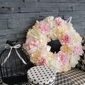 """Tavaszi ajtódísz, Anyák napja, Esküvő, Otthon, lakberendezés, Ajtódísz, kopogtató, Virágkötés, Cukorka színű selyemvirágból készítettem ezt a  """"habos"""" ajtódíszt. Vízhatlan szalaggal betekert moh..., Meska"""