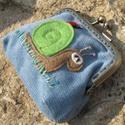 Csiga kék színű  mini kord csatos tárca, Aprócska tárca, mely tökéletes a strandra, hog...