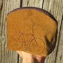 Kerékpárral aranybarna színű kord neszeszer, Ha unod, hogy minden apró dolog, ami nőiességü...