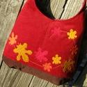 Levelek a szélben bordó színű  kord pakolós táska, Szeretem a közepes méretű táskákat, mert korl...