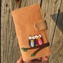 Szerelmes baglyok capuccino színű kord irattartó és pénztárca , Táska, Pénztárca, tok, tárca, Pénztárca, A mai világban rengeteg kártyával, cédulával, kuponfüzettel és egyebekkel tömnek minket. Hogy legyen..., Meska