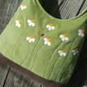 Kamillák halványzöld színű  kord pakolós táska, Szeretem a közepes méretű táskákat, mert korl...