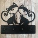 Cicás fali kulcstartó, Két cuki cica dekorálja ezt az egyszerű de még...