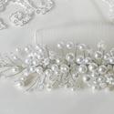 Elegáns fehér Tekla gyöngyös és Crystal Swarovski kristályos Hajékszer, Ékszer, óra, Esküvő, Hajdísz, ruhadísz, Ékszerkészítés, Gyöngyfűzés, Elegáns, különleges Hajékszer! Ez az asszimetrikus menyasszonyi hajdísz, különböző méretű (8-6-3mm)..., Meska