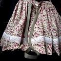 Gyönyörű  néptáncos szoknya, csipke díszítéssel, Ruha, divat, cipő, Gyerekruha, Gyerek (4-10 év), Kislány néptáncos szoknya. Anyaga virágmintás pamutvászon. A szín választható.   A KÉPEN LÁTHATÓ MIN..., Meska