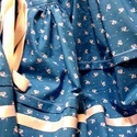 Néptáncos szoknyák alsószoknyákkal, Két darab néptáncos szoknya és hozzájuk tarto...
