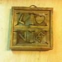 Fali kép, Otthon, lakberendezés, Falikép, Öregbített fára vaslemezből kiégetett betűk  mérete: 25 x 25 cm, Meska