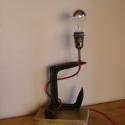 Loft stílusú asztali lámpa, Otthon, lakberendezés, Lámpa, Asztali lámpa, Famegmunkálás, Fémmegmunkálás, Használt fára épített öreg cipész kaptafából készült asztali lámpa antikolt réz foglalattal. Magass..., Meska