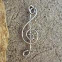 Zene, zene, zene..., Újra visszatért a violinkulcs. Rézdrótból tek...