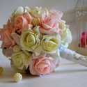 Pasztel álom esküvői gömb csokor, Esküvő, Esküvői csokor, Virágkötés, Fehér-babarózsaszín habrózsákból készítettem ezt a gyönyörű pasztel álom örök gömbcsokrot. Virágfej..., Meska