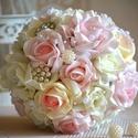 Luxus ékszer esküvői gömb örökcsokor!, Esküvő, Esküvői csokor, Ez a pazar mégis finom eleganciát sugárzó fehér-puderrózsaszín-babarózsaszín gömb csokorral az esküv..., Meska