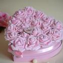 Szülőköszöntő virágbox Szív alakú , Dekoráció, Esküvő, Esküvői dekoráció, Esküvői csokor, Virágkötés, Szív alakú virág box, asztaldísznek, laksdekorációnak, esküvői asztaldísznek,szülőköszöntőnek ajálo..., Meska