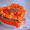 Csodás szív box, Dekoráció, Férfiaknak, Csokor, Vőlegényes, Virágkötés, Gyönyörűséges Szív formályú szívből jövő virágbox, több szál narancssárga élethű habrózsából készűl..., Meska