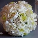 Hercegnői Luxus Fehér  Észercsokor, Esküvő, Esküvői csokor, Esküvői ékszer, Esküvői dekoráció, Krémfehér és ekrü-zöld színátmenetes habrózsákból készűlt az örök ékszer varázslatos..., Meska