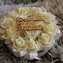 Mama Köszönöm virágbox, Esküvő, Otthon, lakberendezés, Esküvői csokor, Meghívó, ültetőkártya, köszönőajándék, Virágkötés, A romantikus kerek kézműves  virágboxot, élethű,örök  ekrü habrózsákkal raktam körbe. A virágboxot ..., Meska