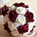 Őszi Varázslat csokor, Esküvő, Dekoráció, Esküvői csokor, Csokor, Virágkötés, Élethű bordó és törtfehér színű habrózsákból készült az örök varázslatosan pazar esküvői csokor.  M..., Meska