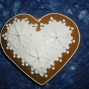Esküvői vendégajándék- modern szív, Esküvő, Magyar motívumokkal, Meghívó, ültetőkártya, köszönőajándék, Esküvői dekoráció, Mézeskalácssütés, Mézeskalácsból készült egyedi tervezésű mintával díszített szív vendégajándék. Kiváló ajándék minde..., Meska