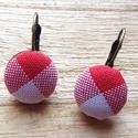 Country textil gomb fülbevaló, Ékszer, Fülbevaló, Piros-fehér country mintás textillel bevont gombból készült franciakapcsos fülbevaló (bronz s..., Meska