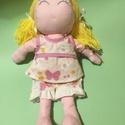 Babuci, Játék, Baba-mama-gyerek, Baba játék, Gyerekszoba, Hímzés, Varrás, Babuci: textilből készült 36 cm magas baba. Ruhája 3 részes, levehető, öltöztethető. Életkor:  3+, Meska