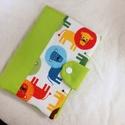 Egészségügyi könyv borító, Baba-mama-gyerek, Baba-mama kellék, Varrás, A szabvány egészségügyi kis könyvre készítettem ezt a borítót, hogy megvédjük a gyűrődésektől és a ..., Meska
