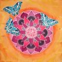Mandala pillangókkal, Baba-mama-gyerek, Dekoráció, Gyerekszoba, Kép, Selyemfestés, Kb. 50x50 cm-es, saját tervezésű, kézzel festett selyemmandala, batik hatású háttérrel. Habkartonra..., Meska