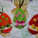 Filcből készült virágos-szalagos tojások!, Dekoráció, Húsvéti apróságok, Dísz, Ünnepi dekoráció, Varrás, Hímzés, Szeretettel köszöntelek!  Filcből készítettem tojásokat,melyeket csipkével, virág alakú gombokkal, ..., Meska