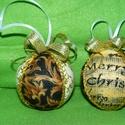 Karácsonyi gömbök, Dekoráció, Ünnepi dekoráció, Karácsonyi, adventi apróságok, Karácsonyfadísz, Foltberakás, Szeretettel köszöntelek!  Hungarocellből és karácsonyi mintás textilből gömböket készítettem! Csill..., Meska