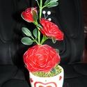 Cserepes rózsa harisnyavirág piros, Dekoráció, Szerelmeseknek, Ballagás, Húsvéti díszek, Mindenmás, Szeretettel köszöntelek!  Harisnyából készült cserepes rózsa! Tartós, egyedi ajándék névnapra, szül..., Meska