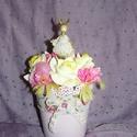 Húsvéti nyuszis asztaldísz, Dekoráció, Húsvéti díszek, Dísz, Ünnepi dekoráció, Mindenmás, Virágkötés, Szeretettel köszöntelek!  Aranyos nyuszis asztaldíszt készítettem. Műanyag cserépbe készült habrózs..., Meska