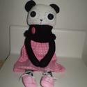 Berta panda maci, öltöztethető, Baba-mama-gyerek, Játék, Játékfigura, Plüssállat, rongyjáték, Egyedi, kézzel és géppel varrt panda. Igazi hurcolhatós, játszó és alvótárs. Arca rávarrt, hímzett. ..., Meska